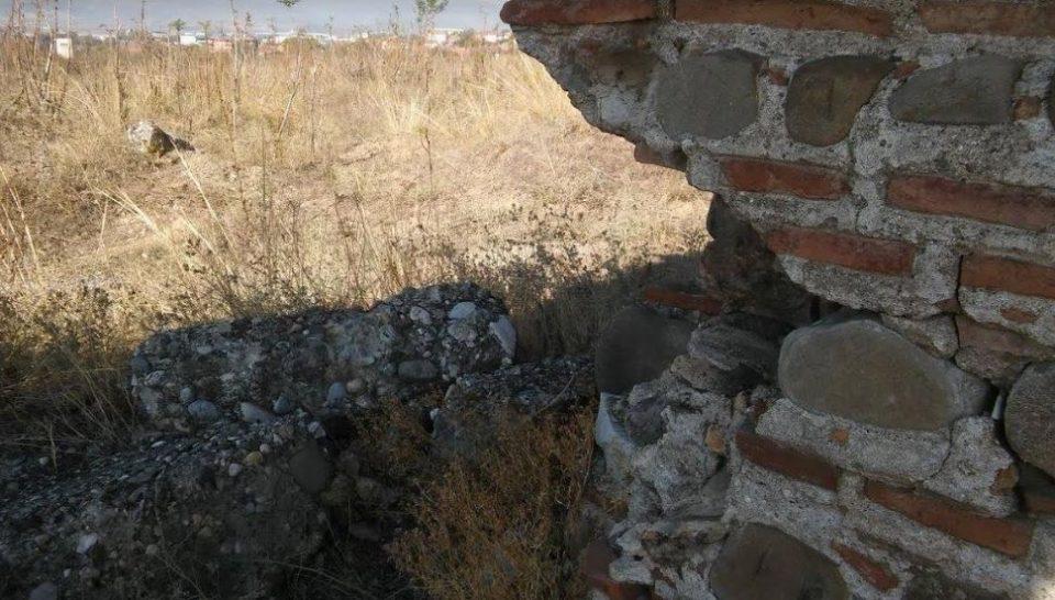 Аквадуктот претворен во депонија, врв на негрижата на Алаѓозовски за културното богатство