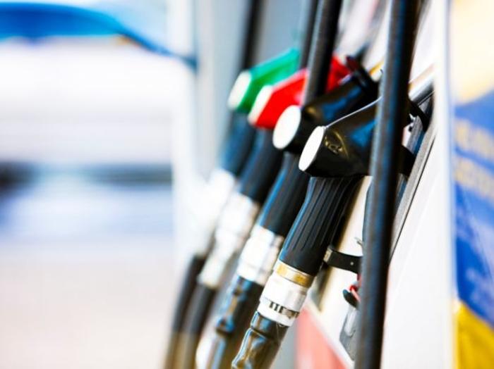 Од полноќ се зголемува цената на горивата