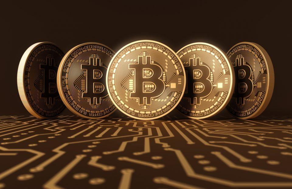 Дојче банка: Пазете се од акциите на биткоин и Тесла