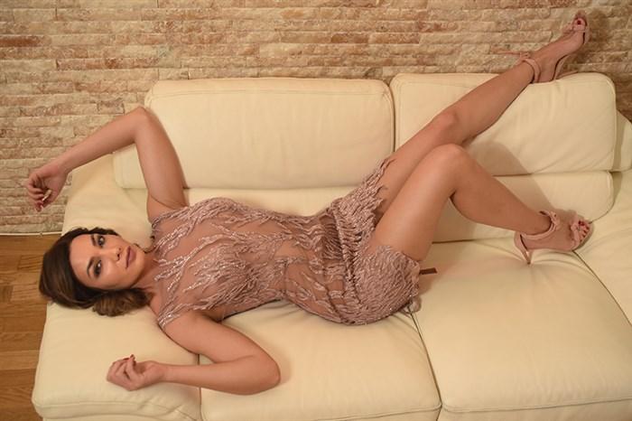 ФОТО: Македонската боксерка Емилија Димитровска се соблече сосема гола!