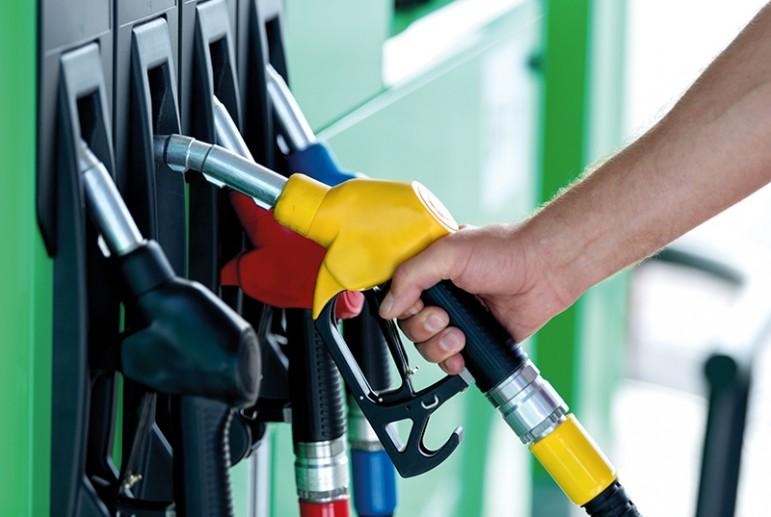 Од полноќ цената на бензините пониска за два денари, на дизелот за 1,5 денар