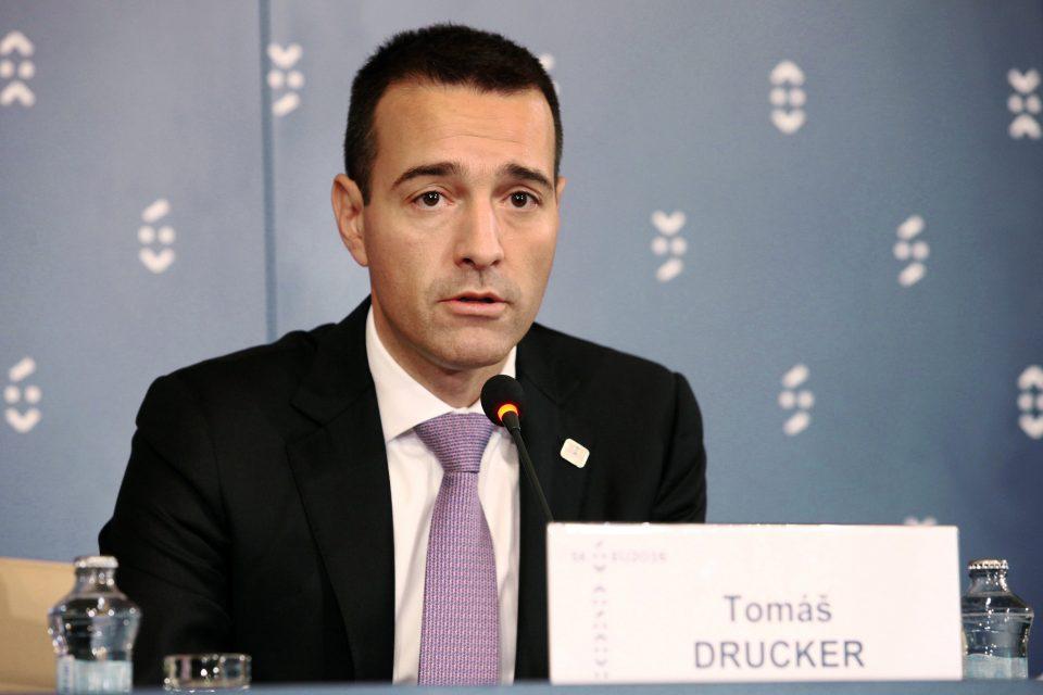 Словачкиот министер за внатрешни работи поднесе оставка од функцијата