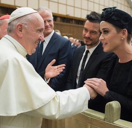 Кејти Пери и Орландо Блум првпат заедно во јавност во Ватикан