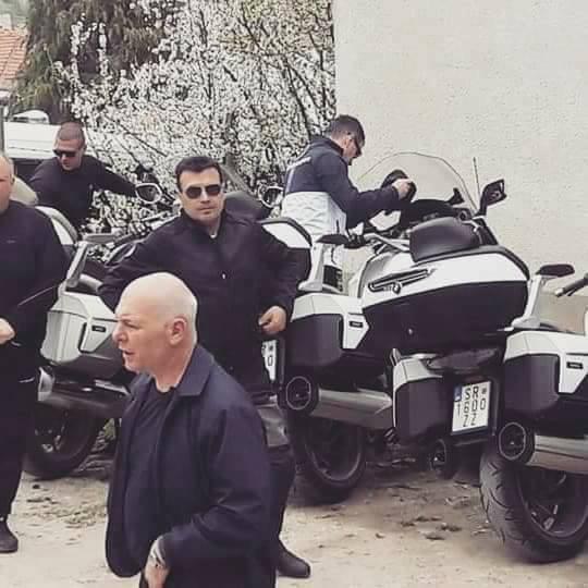 Премиерот вози БМВ мотор од 30.000 евра – не пријавил дека го поседува (ФОТО)