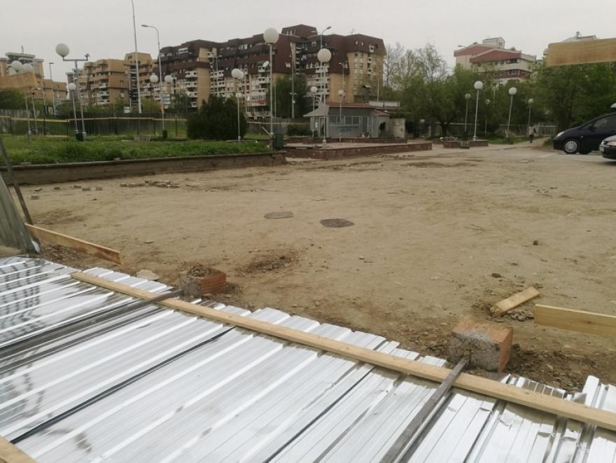 (ФОТО) Жителите на Аеродром гневни на Златко Марин ги урнаа тарабите каде ќе се градат згради