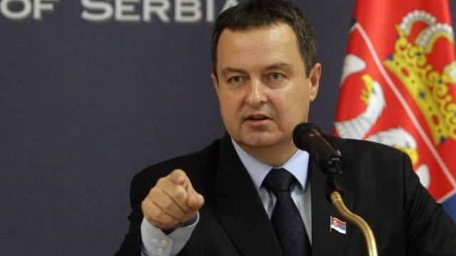 Дачиќ со нови провокации:  Дајте малку да се спуштиме на земја, не може ние да ги нарекуваме Р.Македонија, а тие да го признаваат Косово
