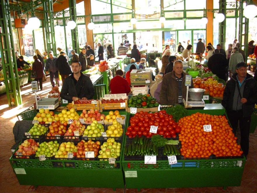 Во зеленчукот и овошјето на зелените пазари има витамини, но има и пестициди