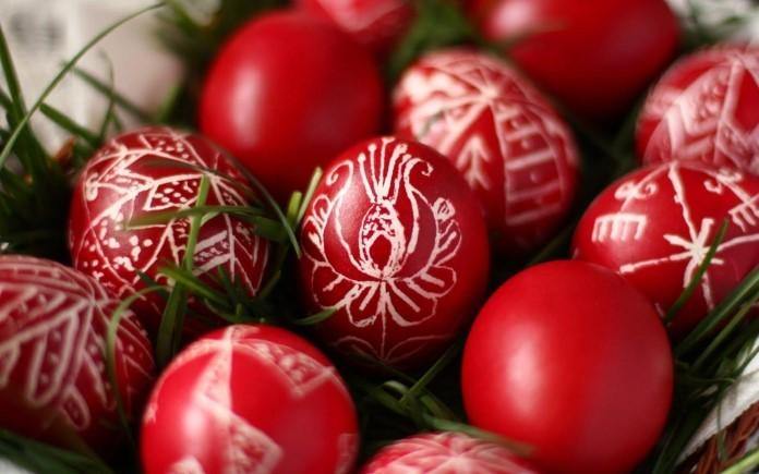 Велики четврток, ден кога се фарбаат велигденските јајца: Првото боено јајце има волшебна моќ