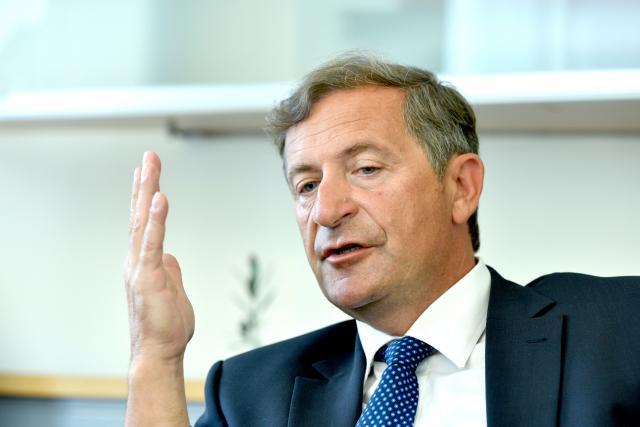 Шефот на словенечката дипломатија: Песимист сум дека Македонија ќе започне преговори за влез во ЕУ