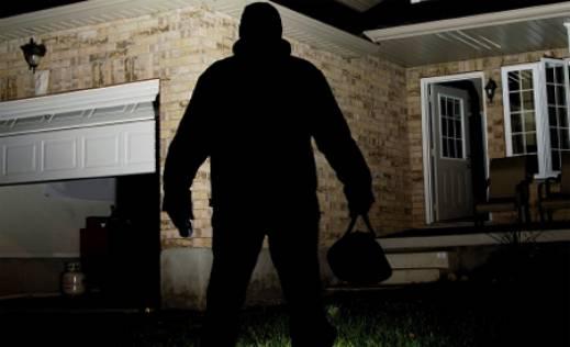 Тетовчанец ги ограбувал соседите, па ги продавал нивните работи