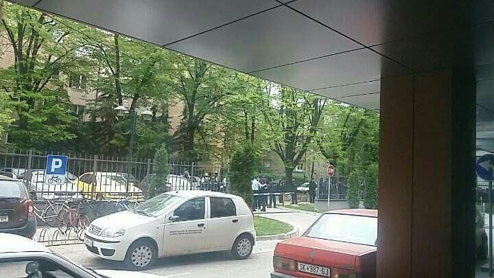 (ФОТО) Протест пред Министерството за земјоделие: Шумската полиција протестира – си ги бараат парите
