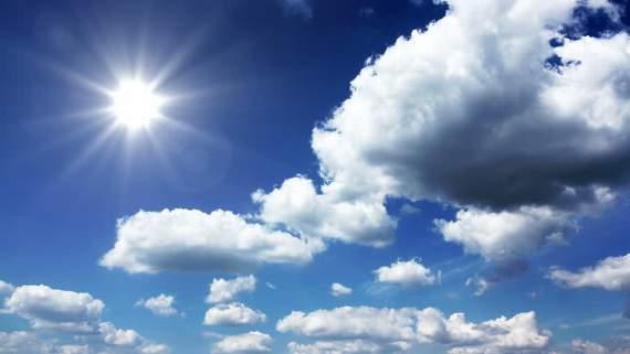 Дененска сончево со мала облачност и слаб ветер