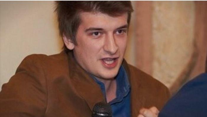 Сомнителна смрт на новинар: Паднал од петти кат, утврдено самоубиство, а пред тоа му го претресувале станот