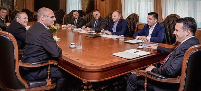 Заев и Николовски на средба со потенцијални инвеститори