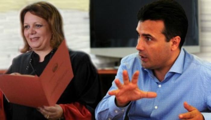 Заев ја награди Катица Јанева: Нејзината сестра ја предложи за висока државна функција