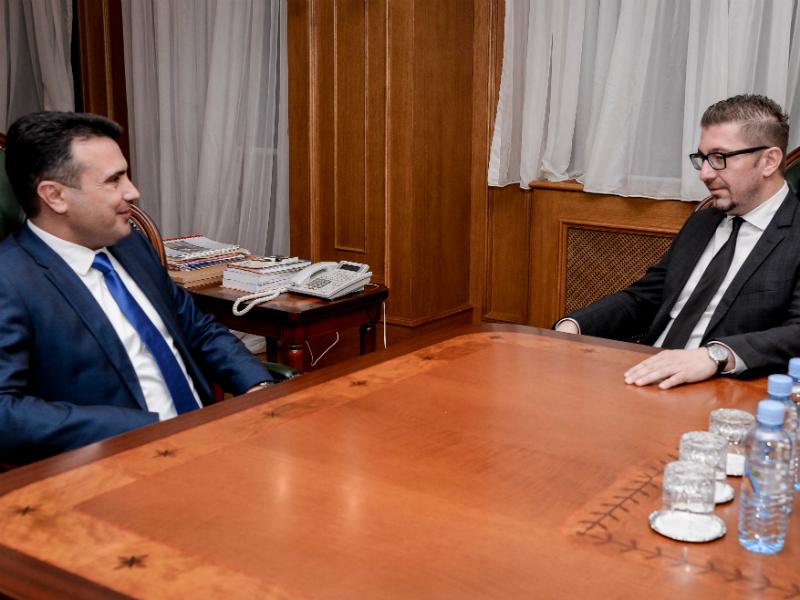 Утре во 16ч во Собрание средба Мицкоски – Ахмети, потоа во влада средба Заев – Мицкоски