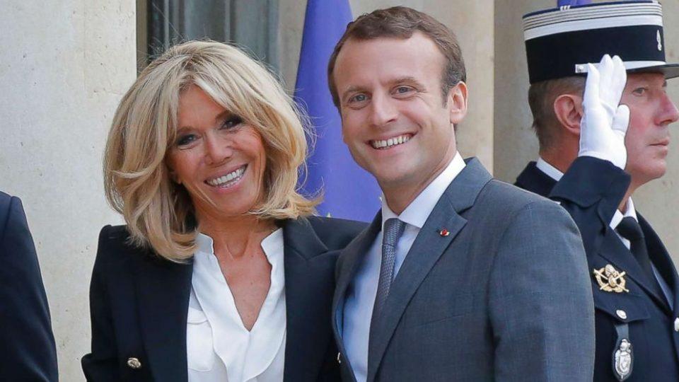 Макрон и сопругата мета на критики: Потрошиле 600.000 евра за цвеќе за време на пандемија