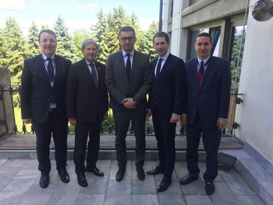 Мицкоски се сретна со Хан и со Курц на Самитот во Софија