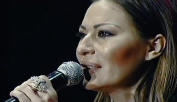"""Секогаш беше во првите редови до пејачката- Цеца со зборовите """"мирно спиј, душо моја"""" се прости од неа (ФОТО)"""