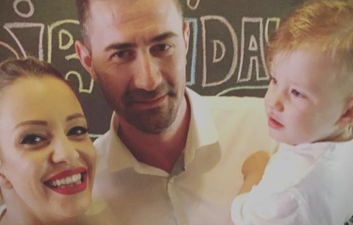 Малата Хана пресреќна – нов член во семејството на Тамара (ФОТО)