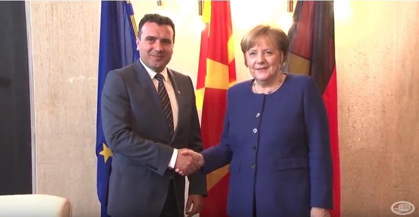 Средба Заев-Меркел: ЕУ и НАТО се единствена алтернатива за Македонија