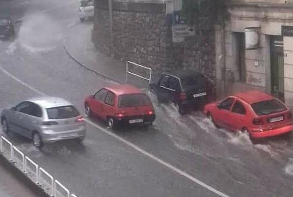 Големо невреме ја погоди Риека – возилата едвај се движеа по улиците