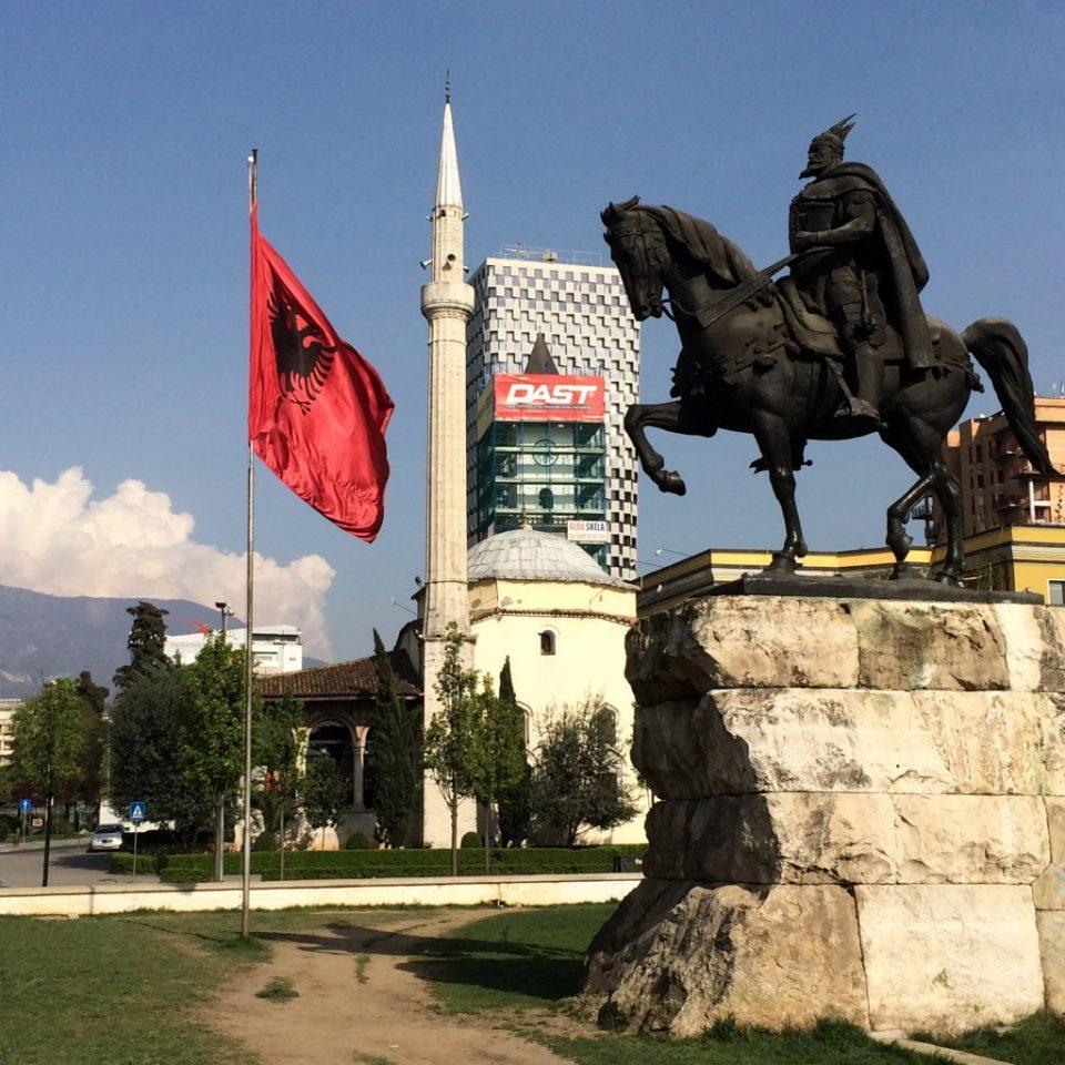 Германската телевизија ЗДФ: Тесна поврзаност меѓу политиката и мафијата во Албанија