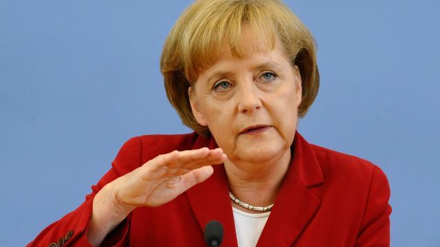 """Меркел: Потребни се мерки против """"агресивните тенденции"""" на Иран"""