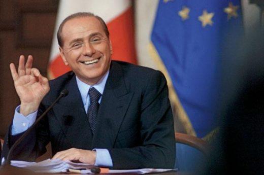 Берлускони излезе од болница: Добро сум!