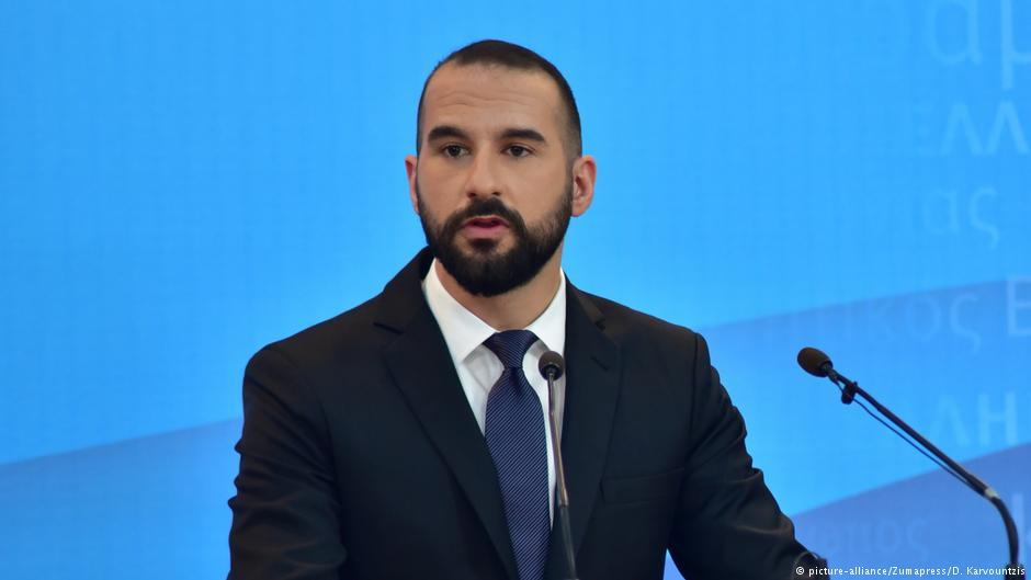 Ѕанакопулос: Парадоксално е да се спроведе референдум за име на туѓа држава