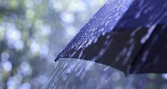 Дожд и грмежи од утре, посвежо ќе биде викендот