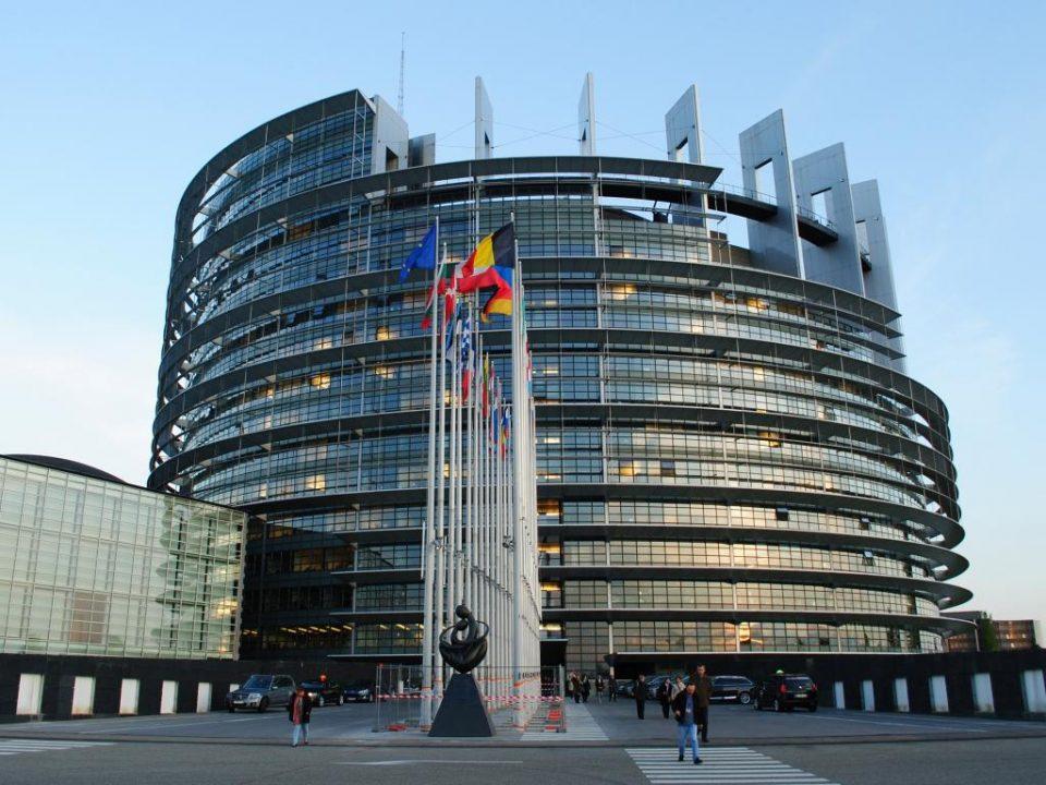 Европскиот парламент детално ќе го анализира договорот со Британија пред да даде согласност