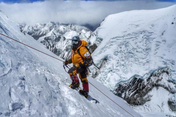 Сонувал да го искачи највисокиот врв: Познат идентитетот на алпинистот кој почина на Еверест