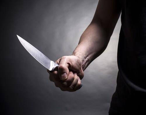 Уапсен човекот што нападна три лица со нож во Хаг