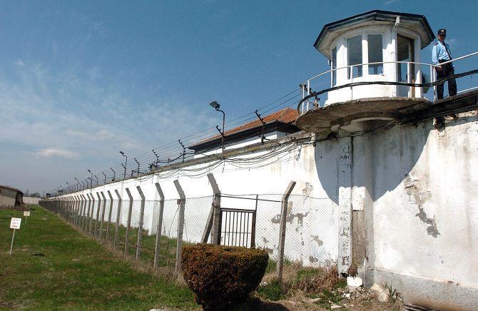 Тепачка во Идризово: Затвореник тешко повреден