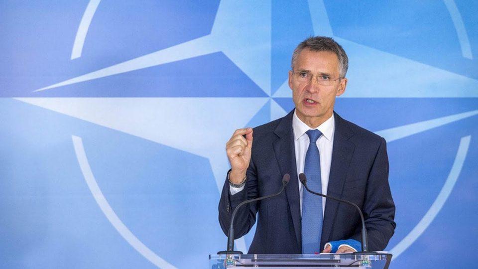 Столтенберг: НАТО ќе ја покани Македонија за членка ако се реши проблемот со името