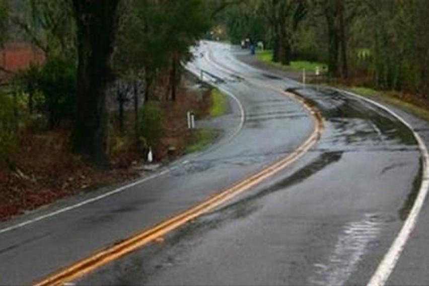 Сообраќајот на места по влажни коловози