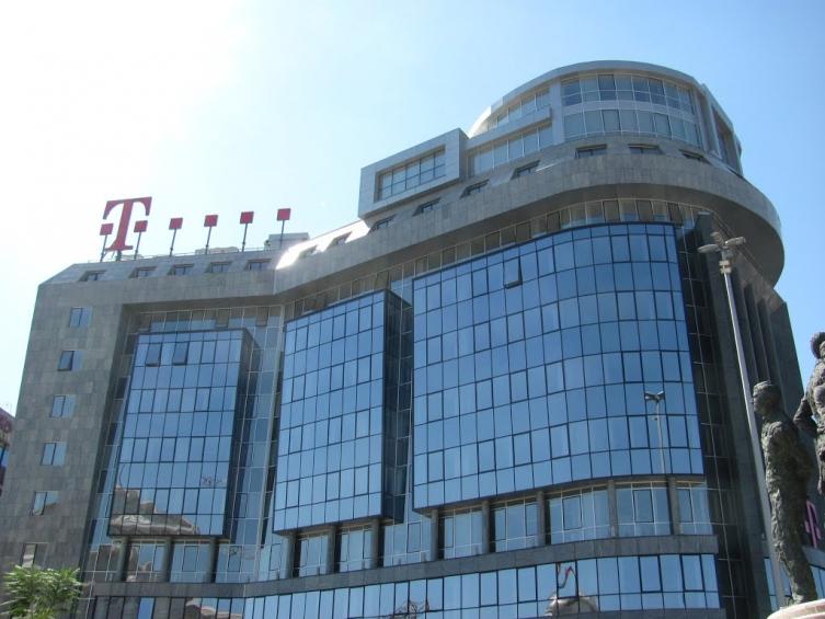 Дојче Телеком си заминува од Македонија – го продава својот удел во Македонски Телеком?