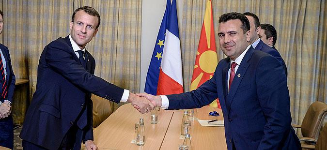 Макрон: Македонија и Грција преземаат историска улога да го сменат името
