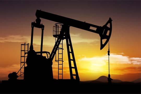 Зголеменото производство во САД и Русија ја намали цената на нафтата