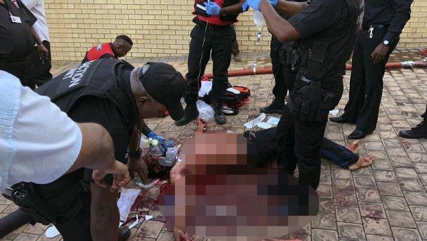 Масакар во џамија: Напаѓачи заклаа верници (ВИДЕО)