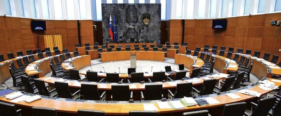 Словенечкиот Парламент зад затворени врати расправа за аферата со прислушување