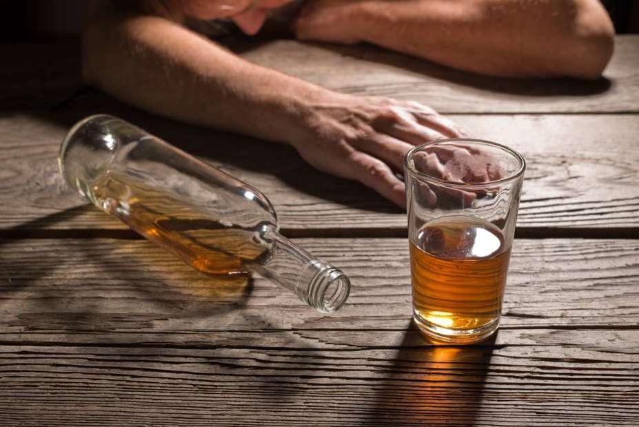Хорор во Скопје: Се испијанил, па ги претепал сопругата и децата