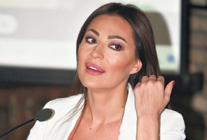 (Фото) Цеца објави фотографија во секси издание и воодушеви познат манекен