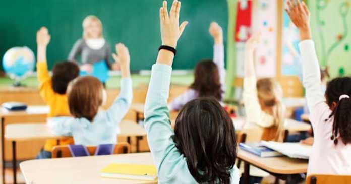 Ученици ја бојкотираа наставата во Идризово: Немало албански паралелки до деветто одделение