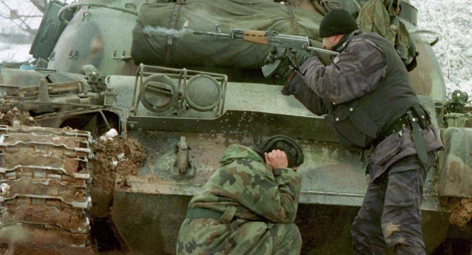 Вучиќ: Само компромисот е решение – ниту Албанците, ниту Србите имаат луѓе за војни
