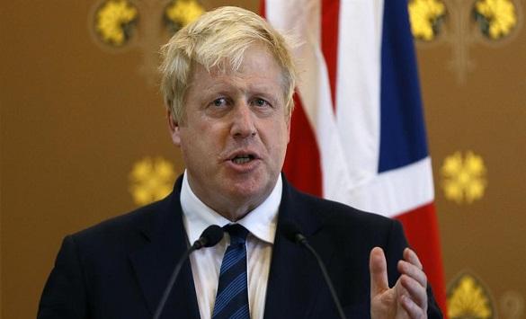 Британскиот премиер нема наскоро да се врати на работа