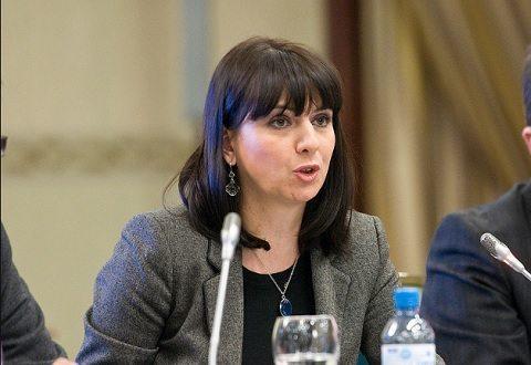 Ида Протуѓер со расистички испад: Македонците се племе! Виктор Трифуновски и одговара: Во слободно општество можеш да бидеш што сакаш, проблемот е во твојата ЕУ