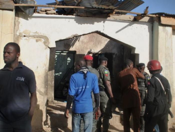 Десет убиени во бомбашки напад во џамија во Нигер