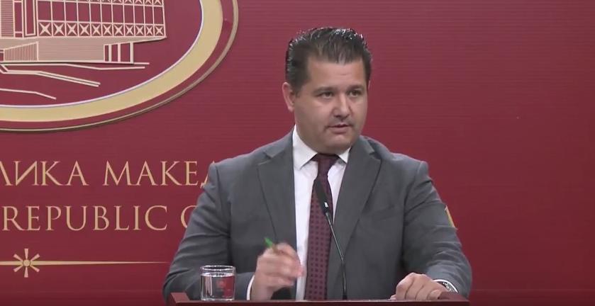 Бошњаковски: Ќе ги менуваме личните карти, пасошите и возачките – во нив ќе стои Северна Македонија